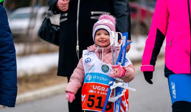 Победителями Югорского лыжного марафона стали Большунов и Сорина