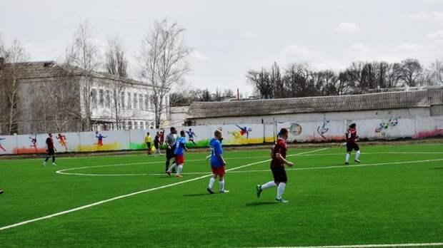 В рамках Года сельского футбола в поселке Нижнегорский состоялся матч