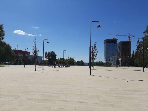 Скамейки, урны и плитку приведут в порядок на Центральной площади Ижевска к 1 мая