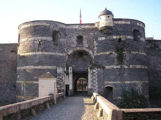 Анжерский замок во Франции