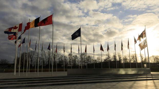 Британские интернет-пользователи посоветовали НАТО принять в свои ряды Россию