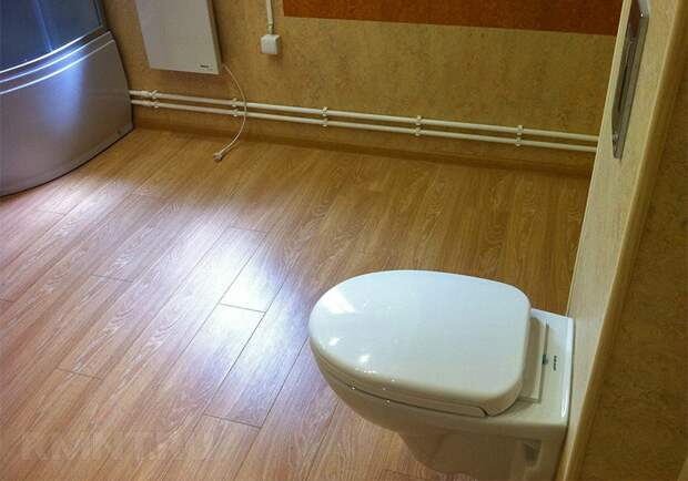 Картинки по запросу Как выбрать ламинат для ванной комнаты