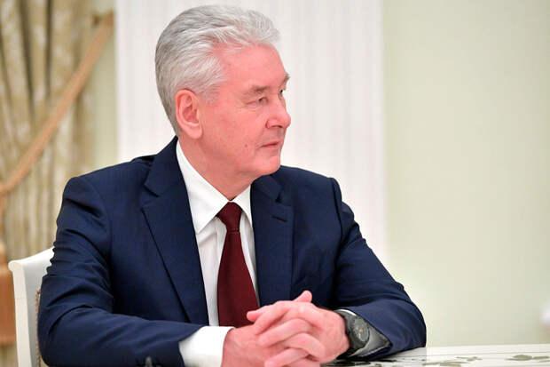 Собянин предложил создать вресторанах Москвы зоны для привитых отCOVID-19