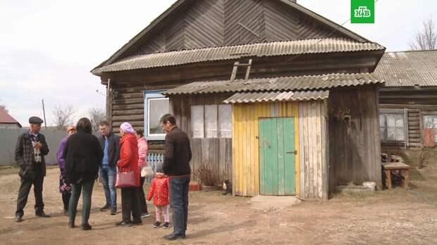 Уголовное дело завели после выселения многодетной семьи из заброшенной школы