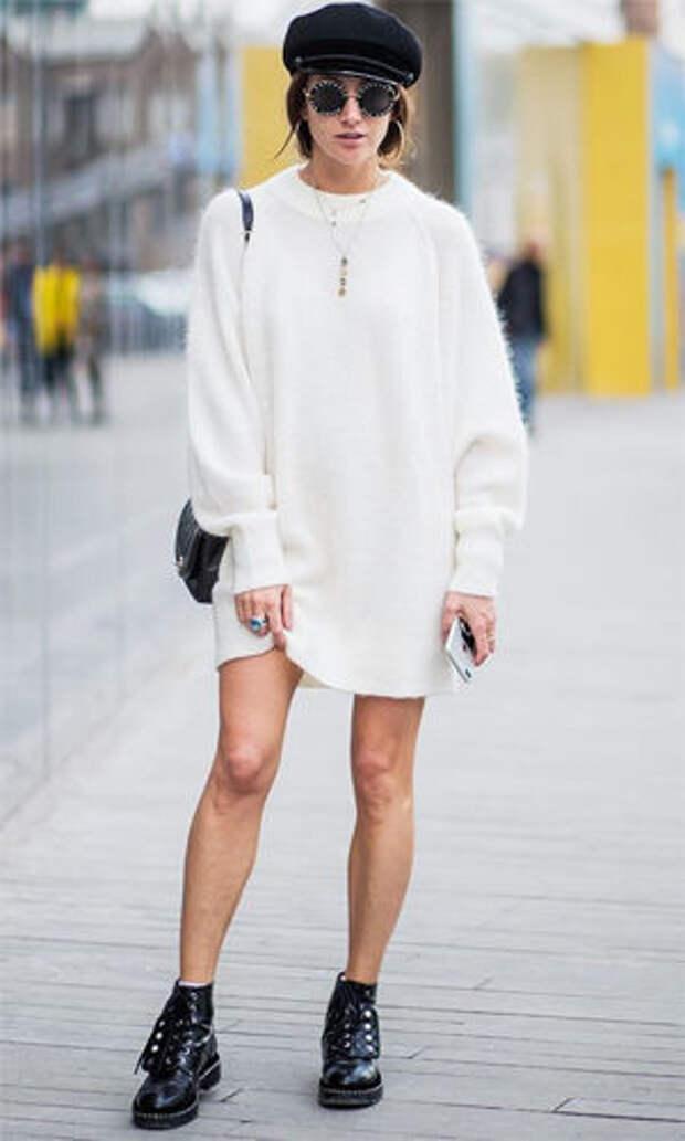 Ботинки на шнуровке с шерстяным платьем