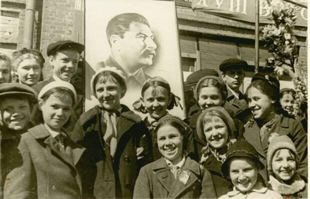 Кто в СССР платно ходил в школу, и Как поступали со злостными прогульщиками