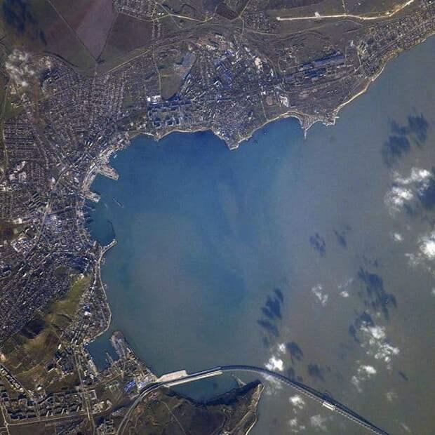Российский космонавт сфотографировал Керчь из космоса