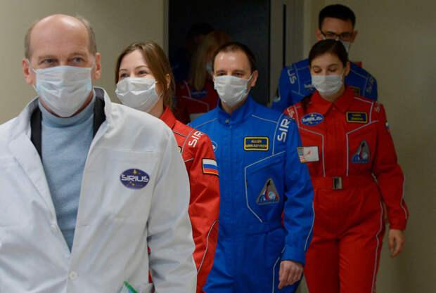 «Я лечу на Луну»: как подготовиться к 4 месяцам на орбите
