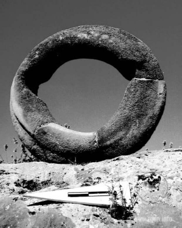 Известняковое кольцо. Гёбекли-Тепе