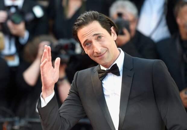 «Некрасивые» звезды Голливуда, которых мы обожаем