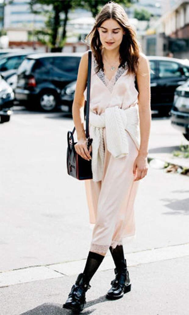 Ботинки джодпур с платьем в бельевом стиле