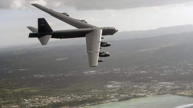 Бомбардировщик B-52 ВВС США устроил провокацию в отношении С-400 вКрыму