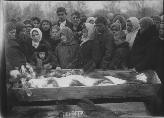 Похороны в СССР: во сколько они обходились гражданам