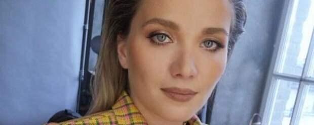 Напавшая на актрису Анастасию Веденскую девушка пытается избежать ответственности