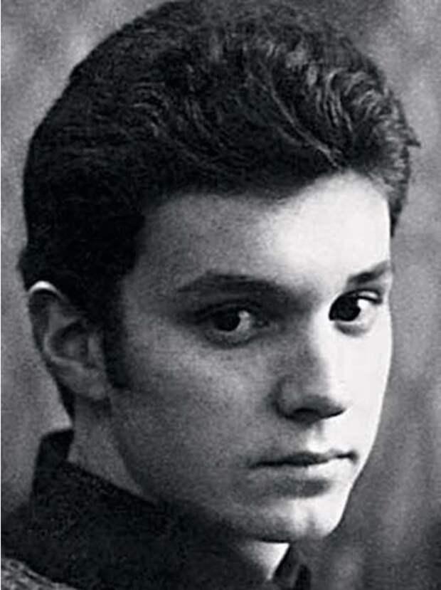 Георгий Делиев Георгий Делиев, актер, музыкант, режиссер, украина, художник