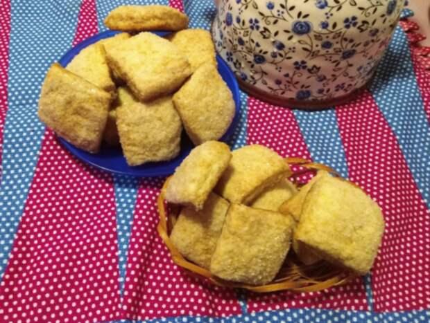 Нежное и вкусное домашнее печенье на сметане. На приготовление трачу не более 10 минут