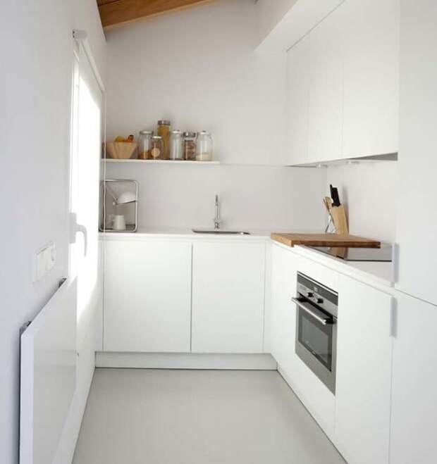 Крошечная кухня в скандинавском стиле. | Фото: malenkaya-kuhnya.com.