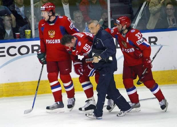 Скандальная разборка сборной России на ЧМ. Ковальчуку и Овечкину пришлось драться после грязного фола на капитане