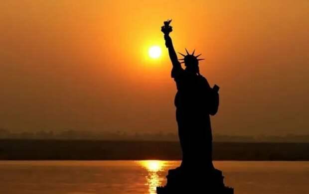 Закат Америки: эксперты называют даты гибели Соединенных Штатов