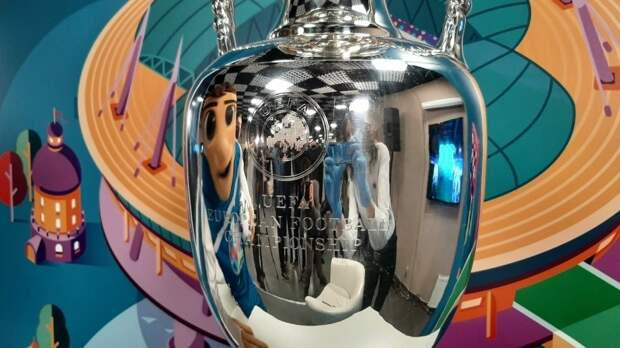 Кубок Евро-2020 доставят в Петербург 22 мая