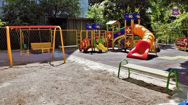 В Ялте до конца года будет установлено 33 детских игровых площадки