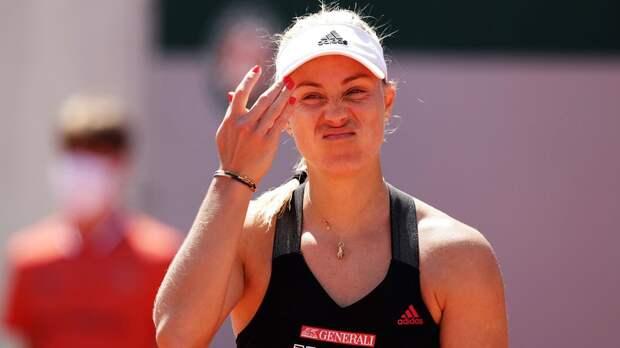 Трехкратная чемпионка ТБШ Кербер проиграла 139-й ракетке мира Калининой на старте «Ролан Гаррос»
