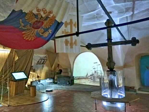 Крест Петра I, вырезанный им собственноручно в память о спасении