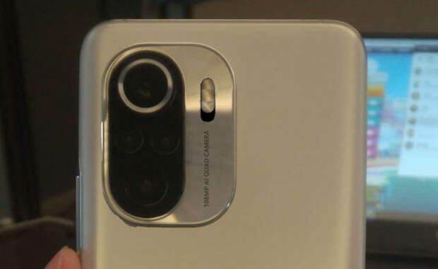 Xiaomi Redmi K40 Pro впервые засветился на живой фотографии