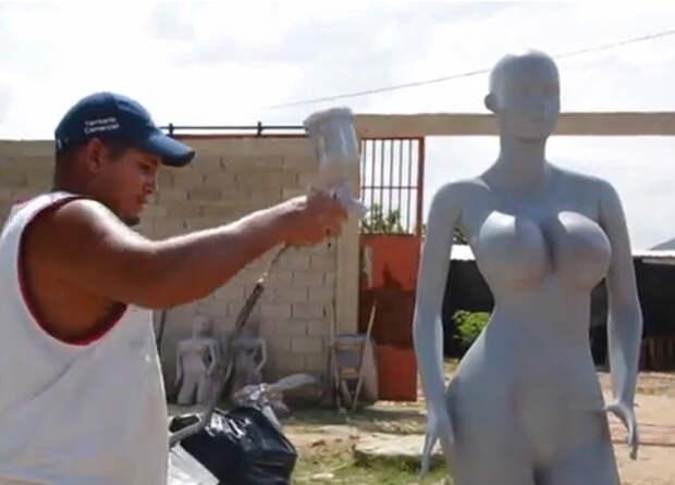 У венесуэльских манекенов выросла грудь