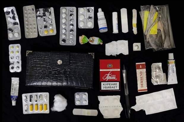 Что носят российские женщины в своих сумочках