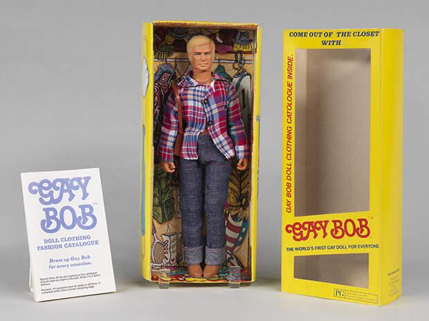 Гей Боб в коробке/шкафу.