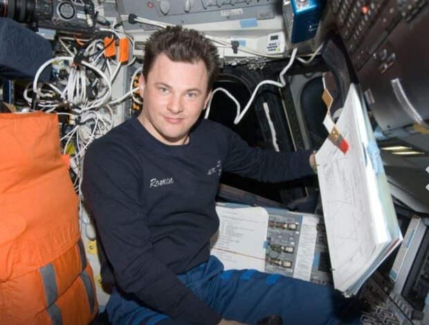 Космонавт, натуралист, комбат, телезвезда: кто будет заседать в новой Думе