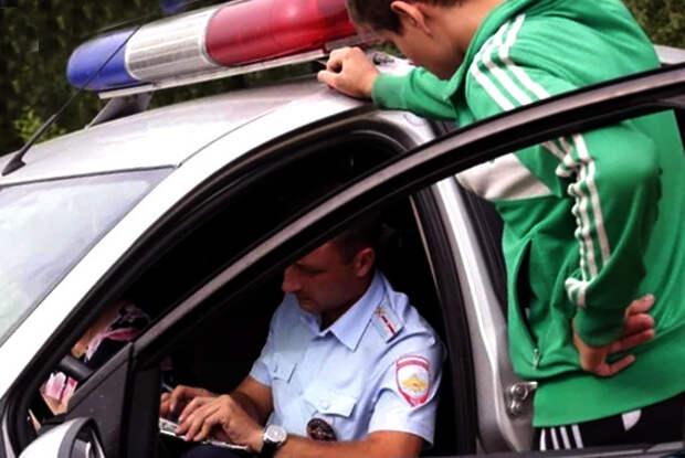 Грамотный ответ инспектору, который просит пройти в патрульную машину, грозя неподчинением