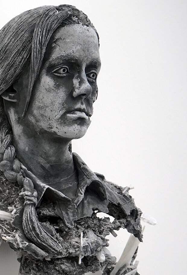«Найденная» скульптура из кристаллов и вулканического пепла