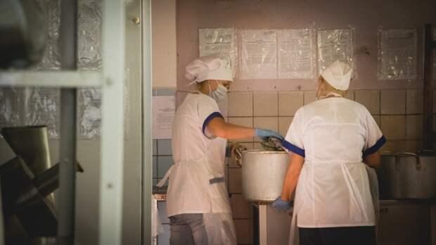Гиганты-поставщики: кто кормит малышей в детских садах Ростова-на-Дону