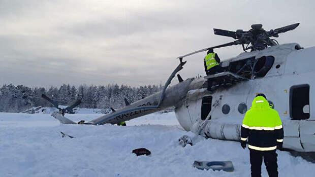 Под Красноярском вертолет упал на бок, на борту было 24 человека