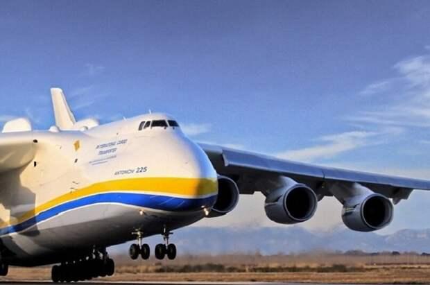 Гордость украинского авиапрома Ан-125 Мрия был построен еще в советские годы, сегодня такой самолет республика построить уже не сможет (фото из открытых источников)