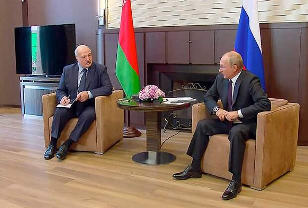 Европейский дипломат: Путин презирает Лукашенко