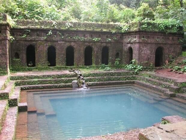 До сих пор работающий бассейн, Индия, V век