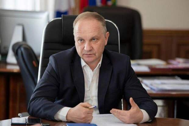 Мэр Владивостока Олег Гуменюк подал в отставку после критики его работы