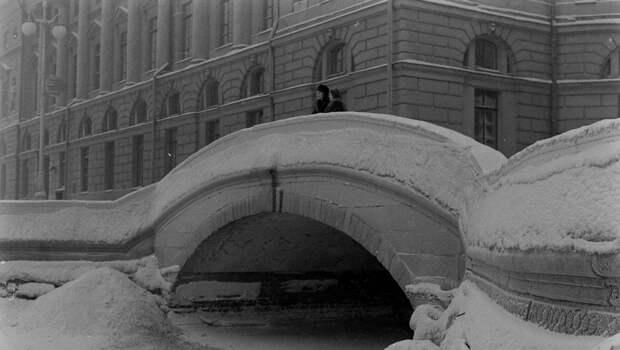 Петербургские сугробы, 1950-е. <br>