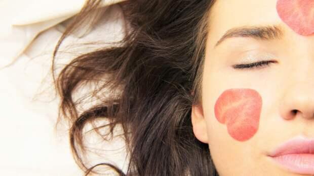 Благодаря домашним скрабам кожа становится более здоровой