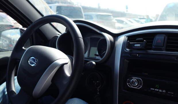 Двое 17-летних подростков вБугуруслане угнали автомобиль