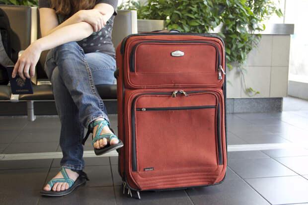 Более половины молодых россиян хотят эмигрировать
