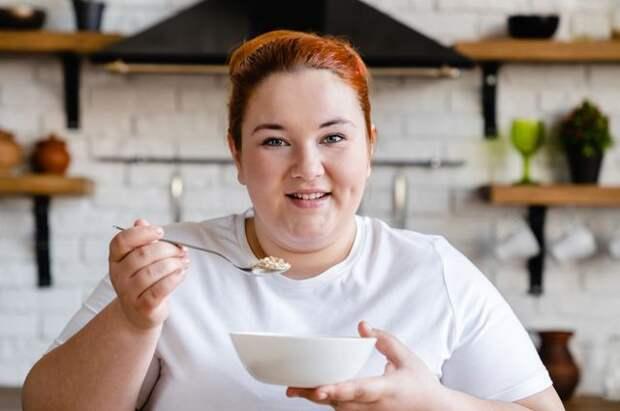 Как изменив время приёма пищи, можно сбросить вес
