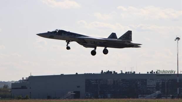 Военный летчик объяснил превосходство Су-57 над F-35
