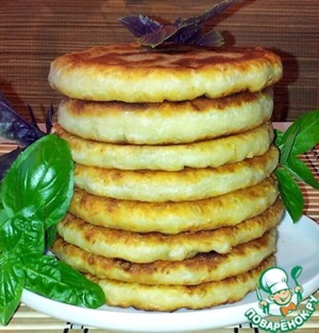 Сырная лепешка с начинкой