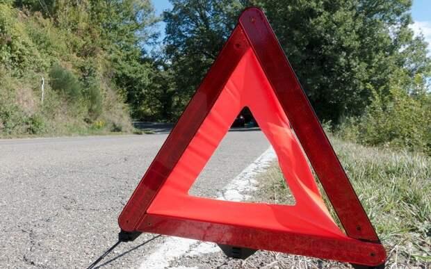 На окружной у посёлка Ухолово не поделили дорогу две иномарки