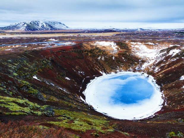 Керид - озеро в кратере вулкана