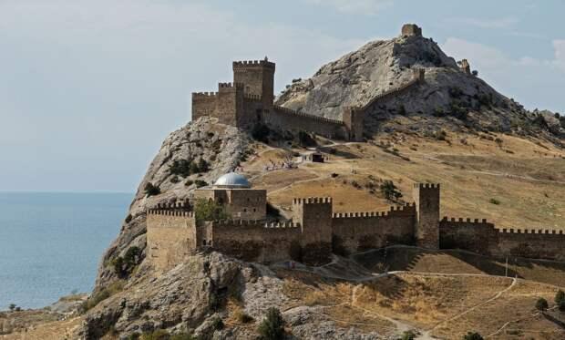 Бесцельно приезжающих в Крым будут на 2 недели отправлять в обсерватор за свой счет